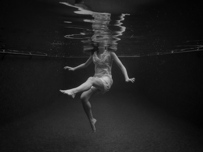 Alexa-Clarke-Kent-Underwater-Portrait-Photography-1