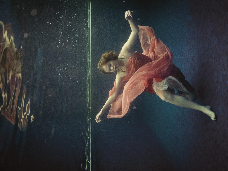 Alexa-Clarke-Kent-Underwater-Portrait-Photography-4