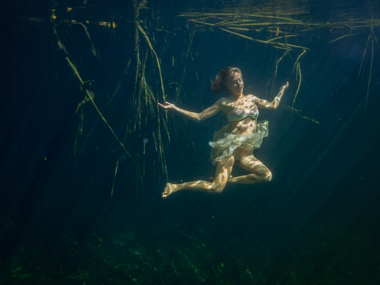 Julieta-Underwater-Photography-Portraits-17