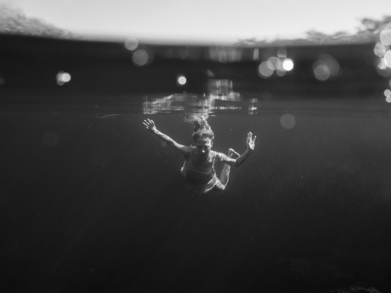 Julieta-Underwater-Photography-Portraits-2