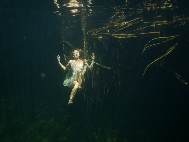 Julieta-Underwater-Photography-Portraits-20