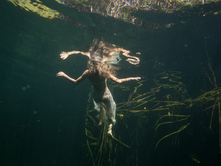 Julieta-Underwater-Photography-Portraits-21