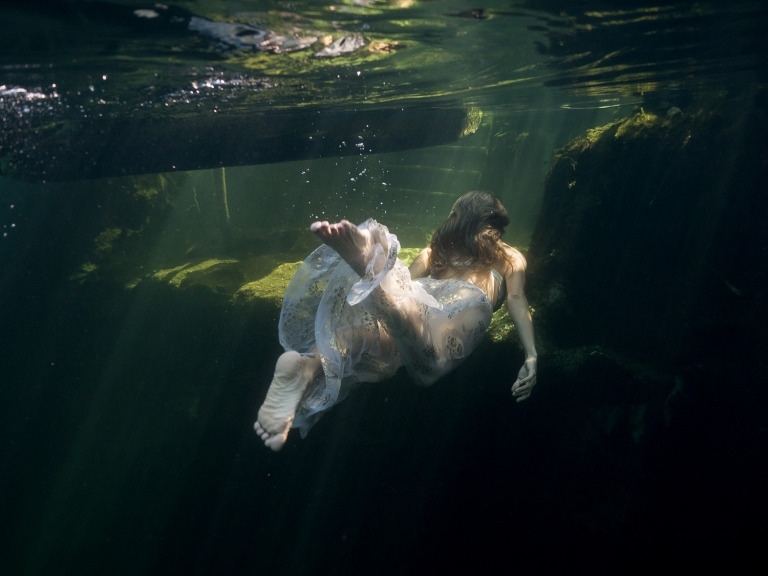 Julieta-Underwater-Photography-Portraits-22