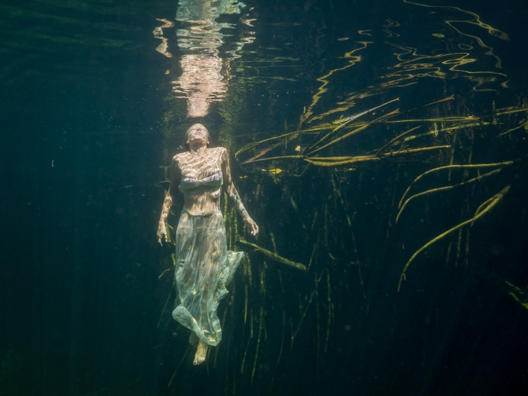 Julieta-Underwater-Photography-Portraits-23