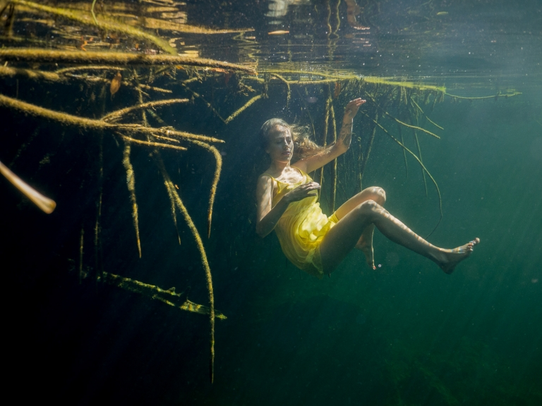Julieta-Underwater-Photography-Portraits-3