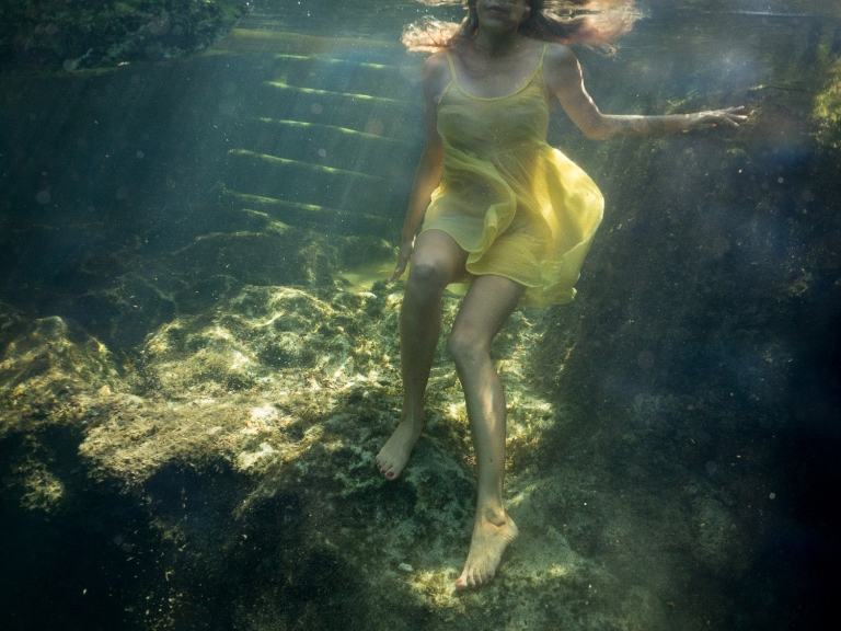 Julieta-Underwater-Photography-Portraits-7