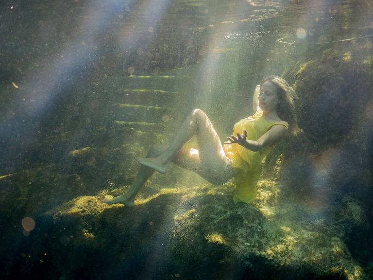 Julieta-Underwater-Photography-Portraits-8