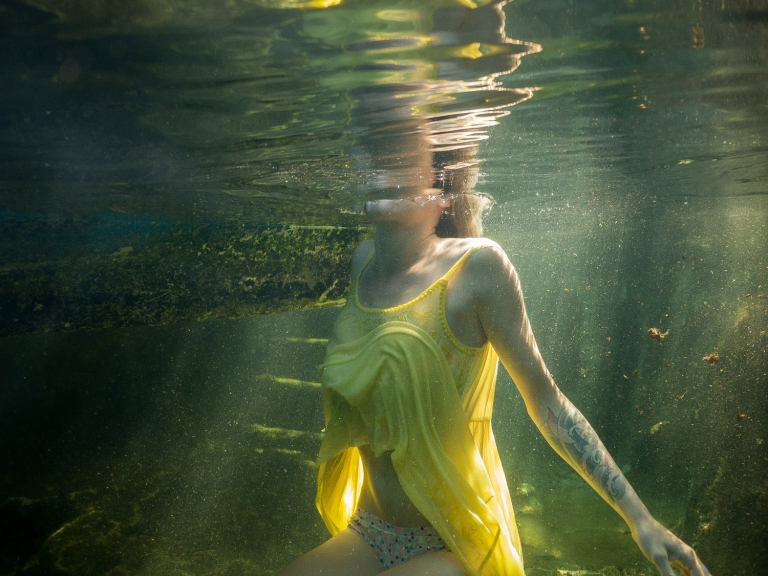 Julieta-Underwater-Photography-Portraits-9
